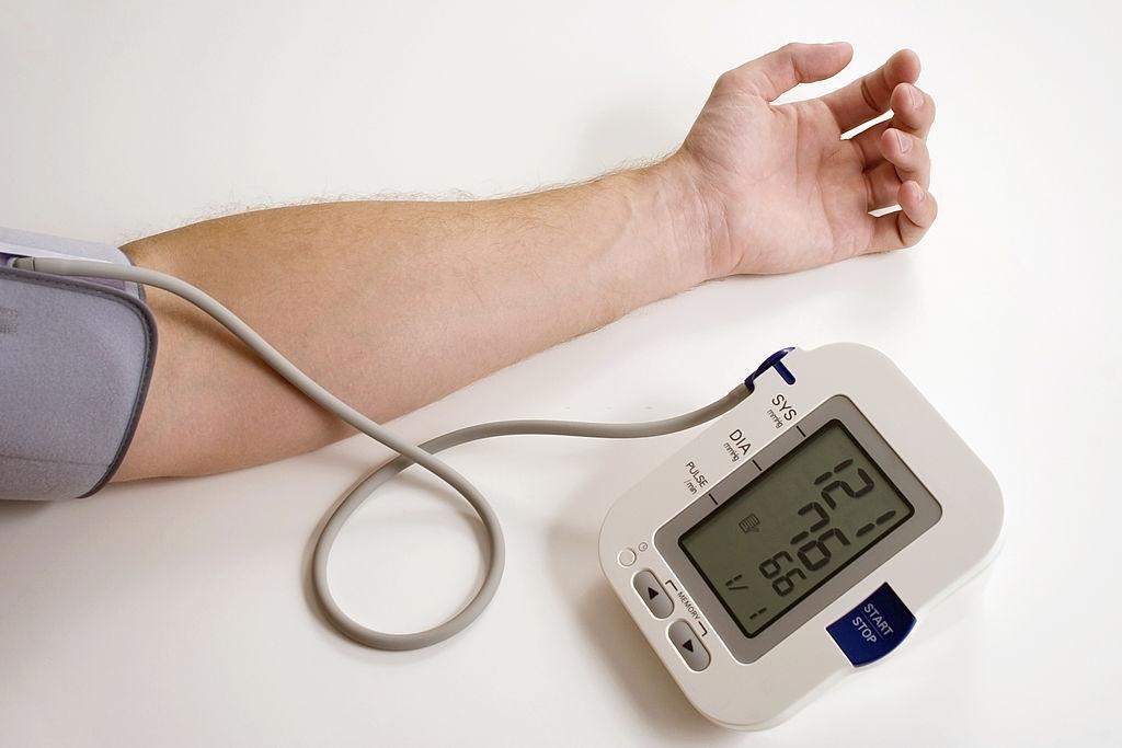 best blood pressure monitor machine in india 2021
